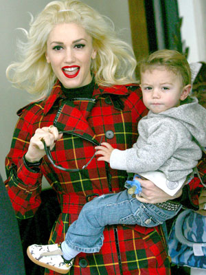 GWEN STEFANI with son KINGSTON shopping at in London.