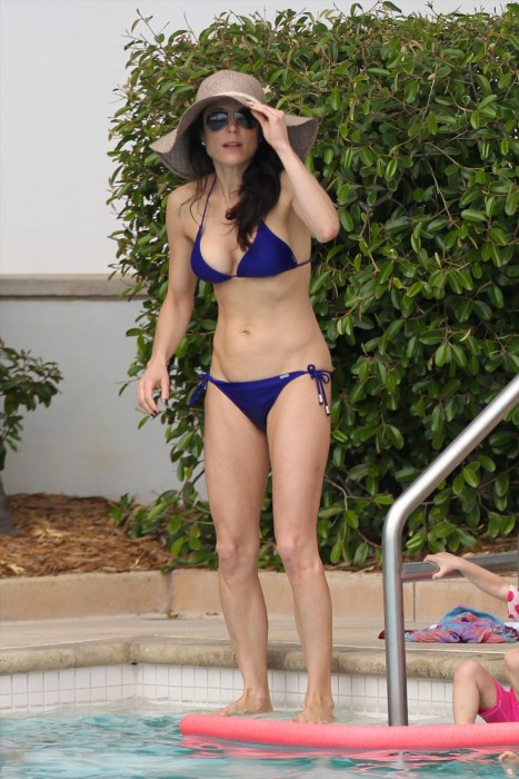Bethenny Frankel at the pool of her hotel in Miami Beach, FL.
