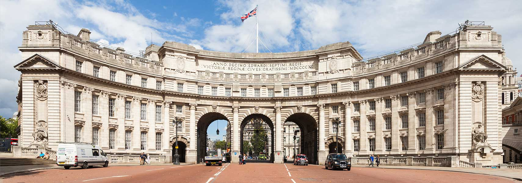 United Kingdom   Country Profile   Nations Online Project Admiralty Arch with The Mall  London  England