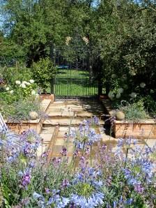 Paradise Farm, Courtyard Garden