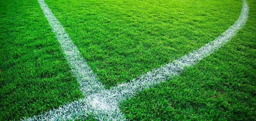 Klart fotboll ska spelas på naturgräs