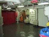 lobby-da-barroso-abaixo-do-hangar-o-piso-pode-ser-removido-para-a-manutencao-dos-motores.JPG