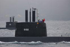 209-submarine-s102-4-2007-350.jpg