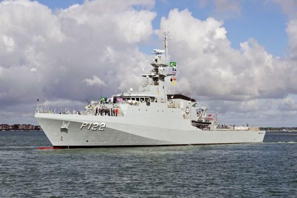 078-NEW-BRAZILIAN-NAVY-SHIP-BEGINS-OCEAN-CROSSING-2
