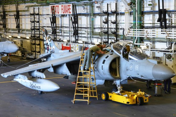 Harrier AV8B no Cavour no Brilliant Mariner 2013 da OTAN - foto Marinha Italiana