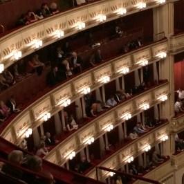 ウィーン国立歌劇場の立ち見の席取り