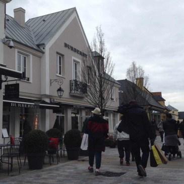 パリ郊外のアウトレットでお買い物体験 ラ・ヴァレ・ヴィレッジ