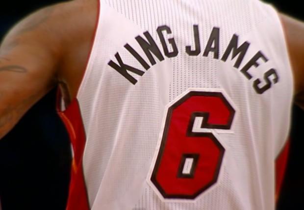 Camiseta King James