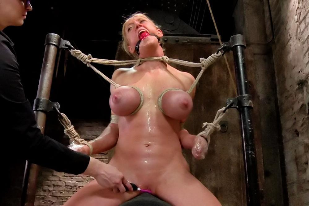 extrme bdsm sex slave
