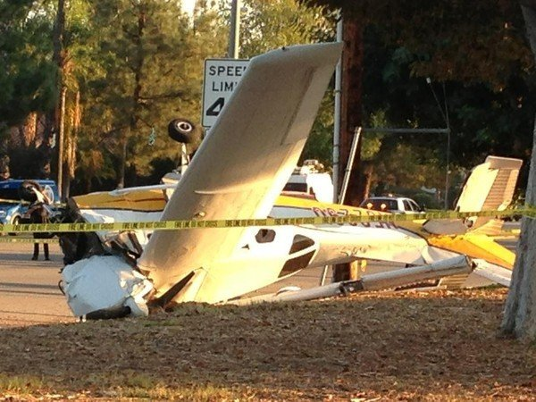 2 Injured as Small Plane Crashes at CSUN