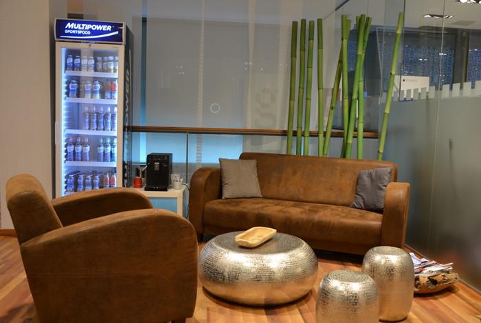 neogym-studio-innenansicht-lounge-ecke