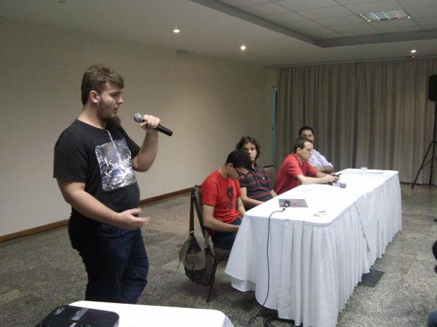 """Fernando """"Viajão"""", fundador da comunidade há dois anos atrás"""