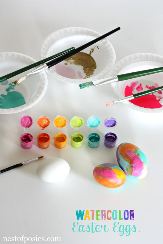 Watercolor Easter Eggs via @NestofPosies