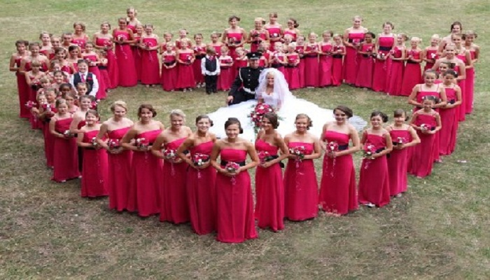 Bride-had-110-bridesmaids-Netmarkers