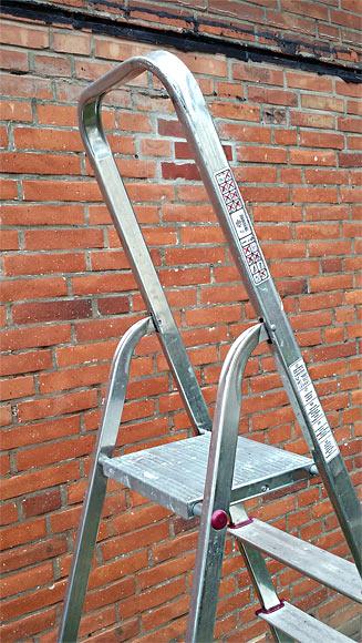 Woran erkenne ich eine sichere Leiter?