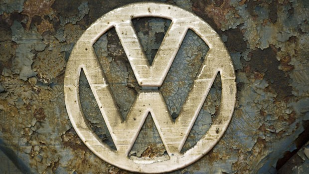 VW tarnished