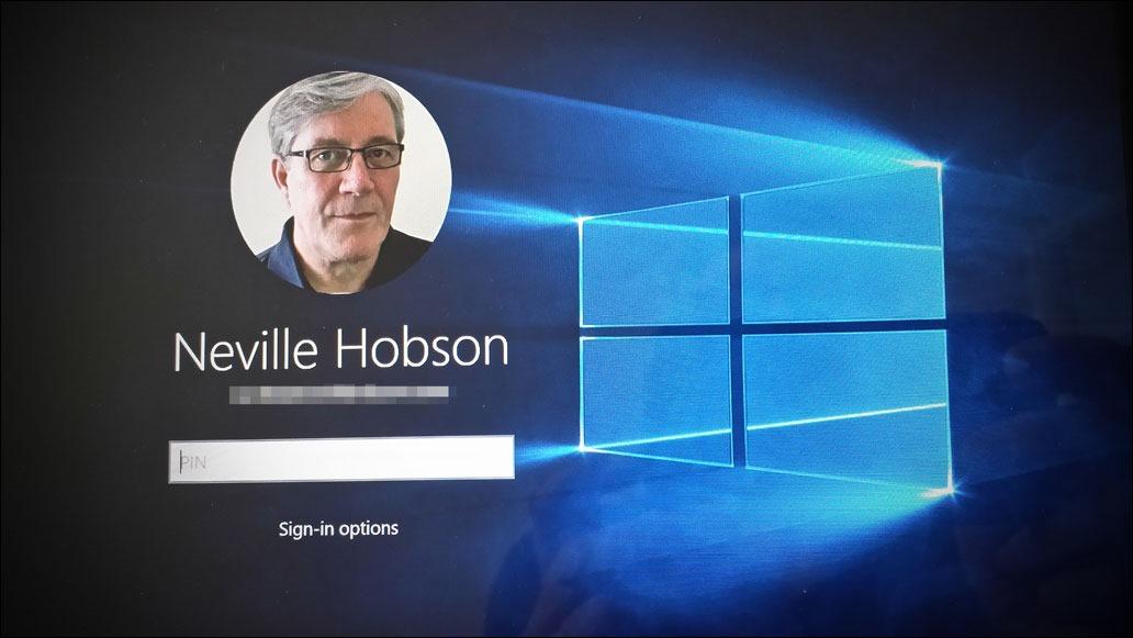 Windows 10 login