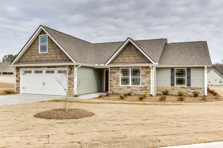 300 Hawk Valley Dr, Travelers Rest, SC-3