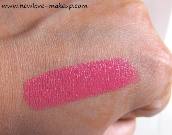 Chambor Moisture Plus Lipstick Hottie Plus Review,Swatches