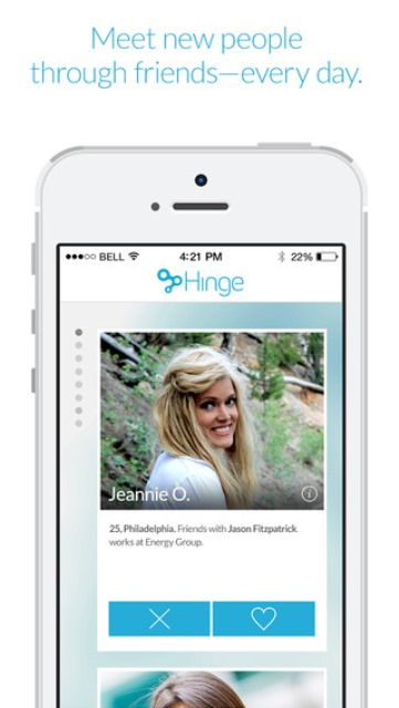 hinge app page showing a user's profile and also mentioning who you two know in common