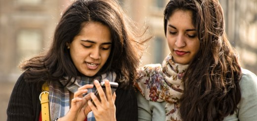 friends texting_New_Love_Times