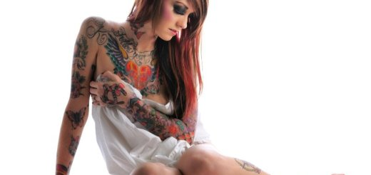 woman with a tattoo_New_Love_Times