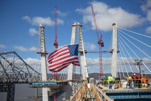 March 29, 2017 - The cable-stayed main span takes shape.