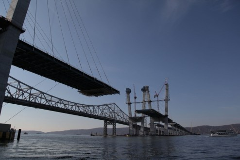 November 28, 2016 - The main span continues to grow with the addition of structural steel and stay cables.