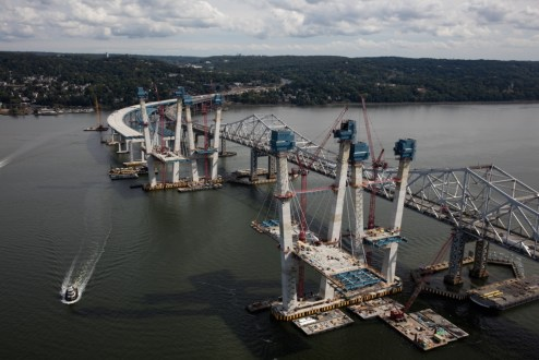 September 27, 2016 - Progress continues on the new bridge's main span.