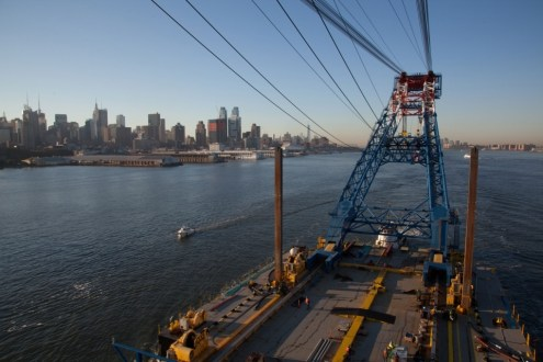 October 6, 2014 - I Lift NY passes New York City on its way to the project site.