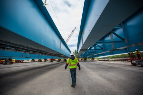 May 21, 2015 - The massive assemblies for the new bridge are created with interwoven networks of welded plate girders.