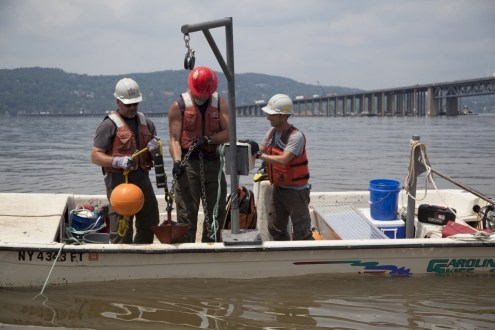 June 2013 - Sturgeon monitoring devices are placed in the river as part of the Ecological Management Program.