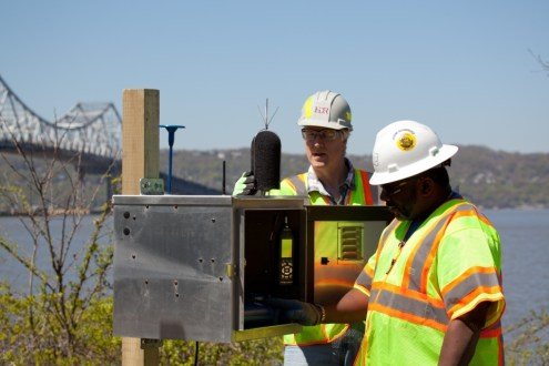 May 2013 - TZC's Environmental engineers install the first of several environmental monitors for the New NY Bridge project.