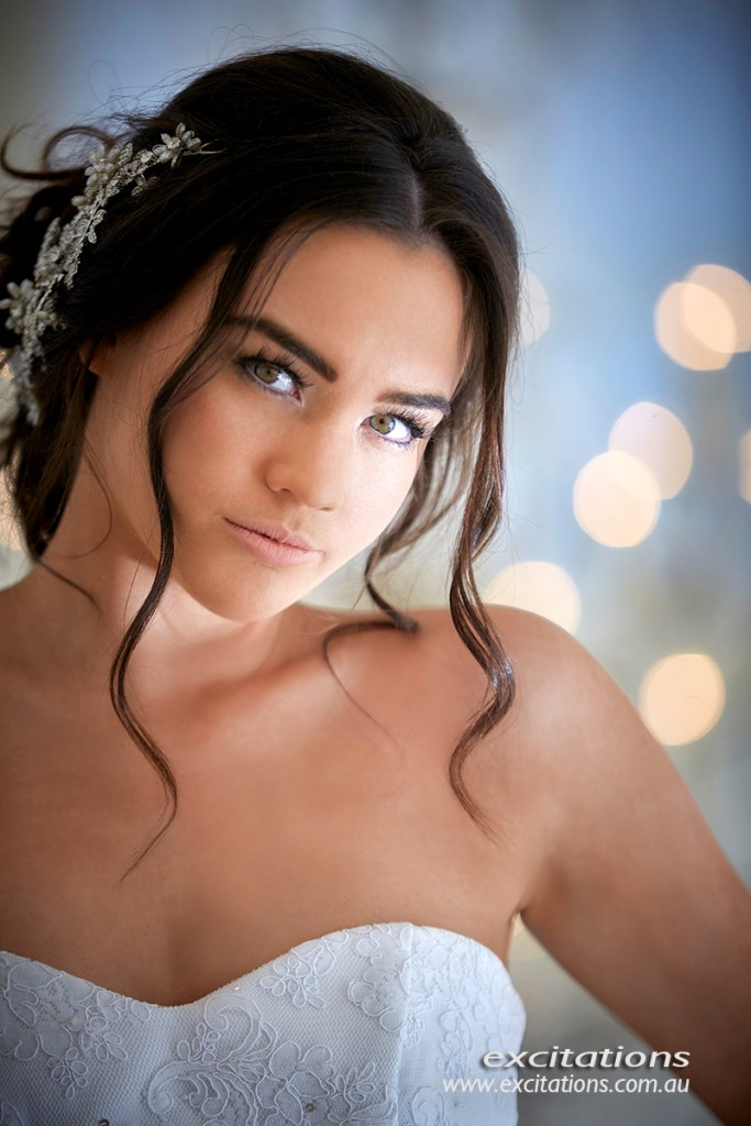 Close up glamour style portrait of beautiful young debutante. Pictures of debs in Mildura. Photography by excitations.