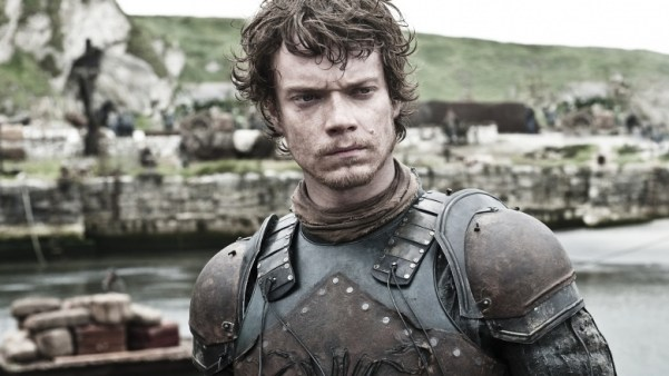 theon-greyjoys-swordsmanship-needs-work-1437000193