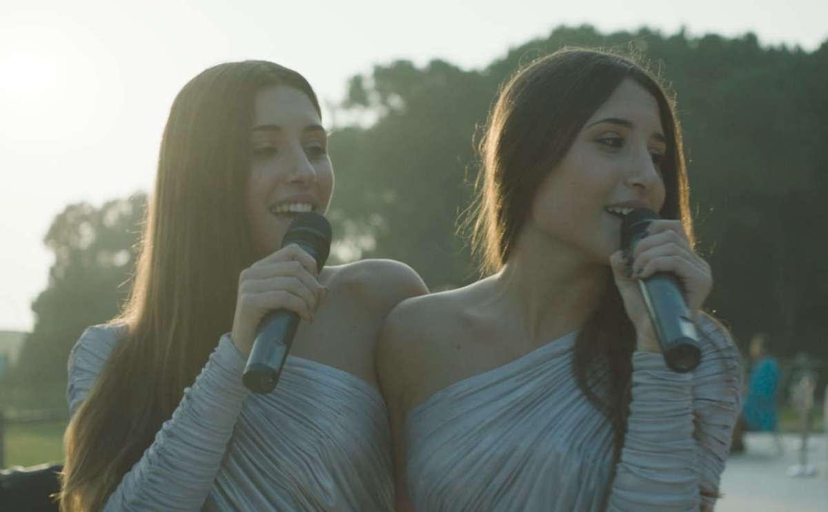 Indivisibili, video intervista alle gemelle Angela e Marianna Fontana
