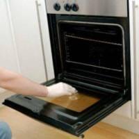 ΑΠΙΣΤΕΥΤΟ tip: Μάθε πώς θα καθαρίσεις τον φούρνο χωρίς να κουραστείς!!!