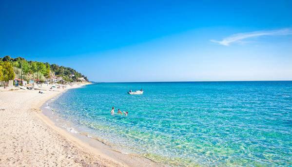 Οι καλύτερες «στεριανές» παραλίες της Ελλάδας! Εκεί όπου μπορείτε να φτάσετε και χωρίς ακτοπλοϊκά εισιτήρια.