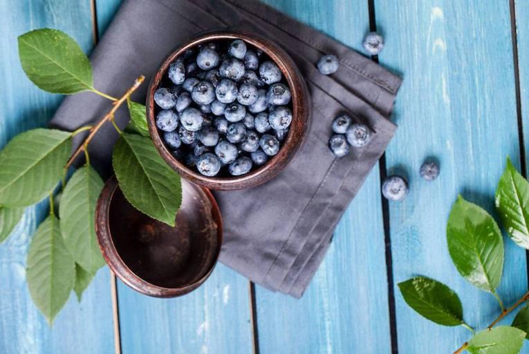 Μύρτιλα: Παρέχουν μεν μικρότερη ποσότητα ρεσβερατρόλης σε σύγκριση με τα σταφύλια, ωστόσο αποτελούν καλή πηγή και άλλων αντιοξειδωτικών ουσιών, καθώς και φυτικών ινών και βιταμινών.