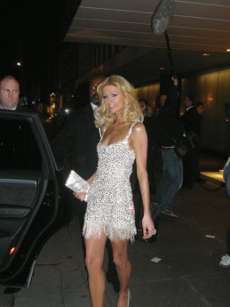 Paris-Hilton-Nationl-Television-Awards-4