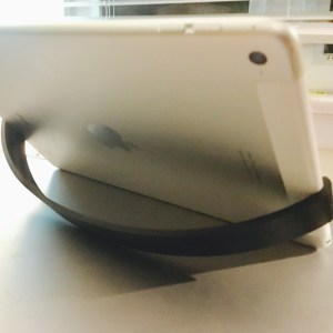 Modified clip stand design from Walter Hsaio to fit landscape iPad