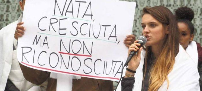 Risultati immagini per italiani senza cittadinanza