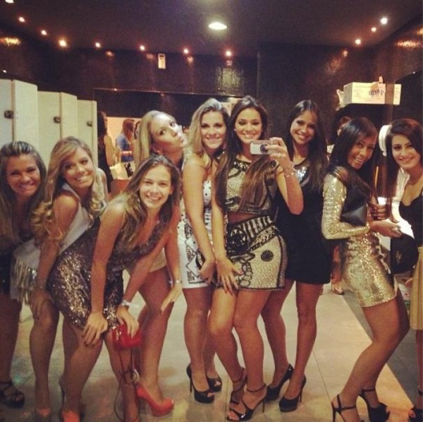 Neymar Wag Bruna Marquezine, in a photo with her friends