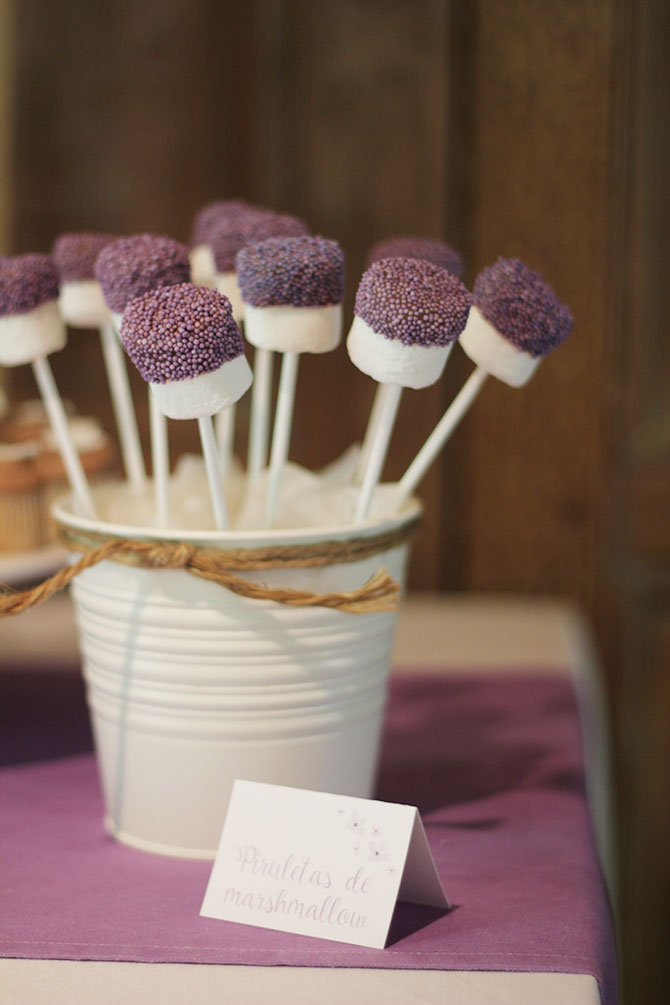 Nice Party bautizo flores lila mesa de dulces (4)