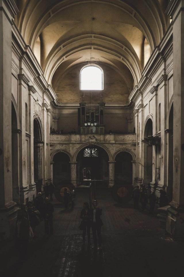 Bažnyčios centrinė nava, žvilgsnis į vargonų pusę