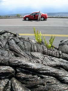 Kilauea Vulkan auf Hawaii: Mit dem Pontiac durch Lavafelder. Foto: www.nikkiundmichi.de