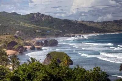 Barbados. Am Soup Bowl-Strand wird der Karibik-Traum Wirklichkeit.