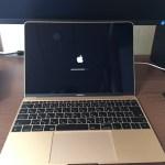 新しい相方のMacBook君です。
