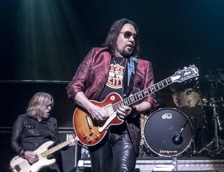Tagged as: Ace Frehley , Ace Frehley Hospitalized And Kisses Off Shows ...