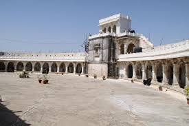 tourist places to visit in Jamnagar district - Lakhota Fort, Jamnagar
